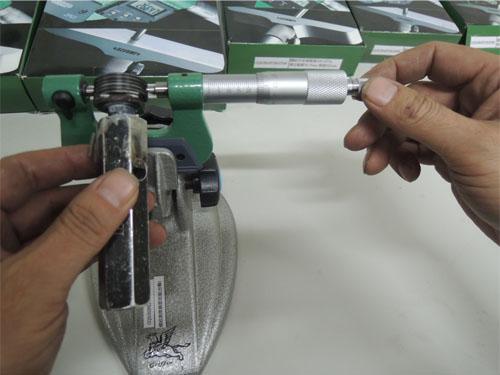 Measure Outside Diameter of Thread